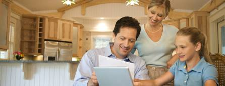 How to make an emergency communication plan for your family
