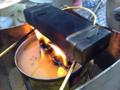 making char cloth using a tin